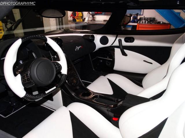 Black Koenigsegg Agera R