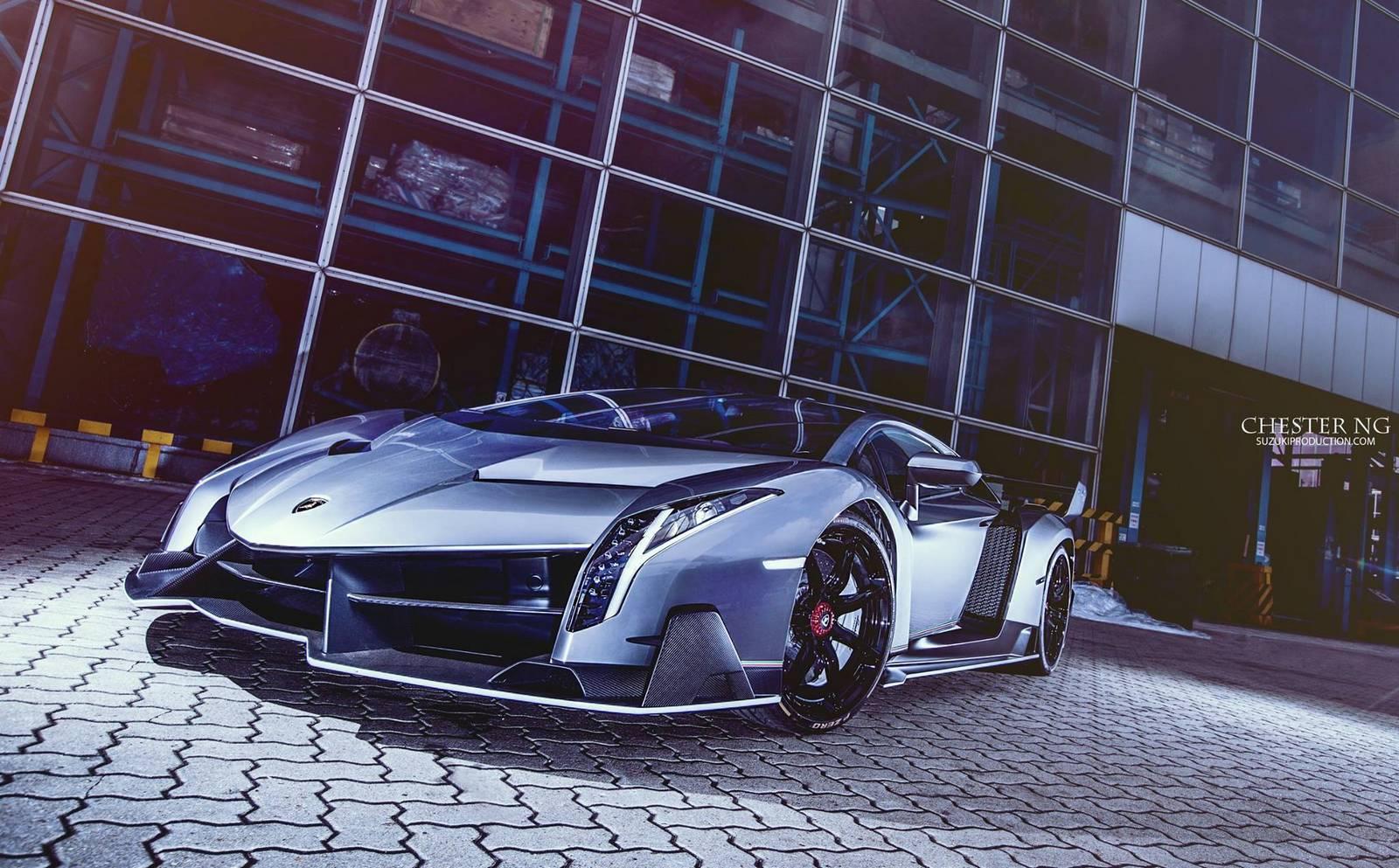 Lamborghini Veneno #2 из 3. Владелец из Гонконга