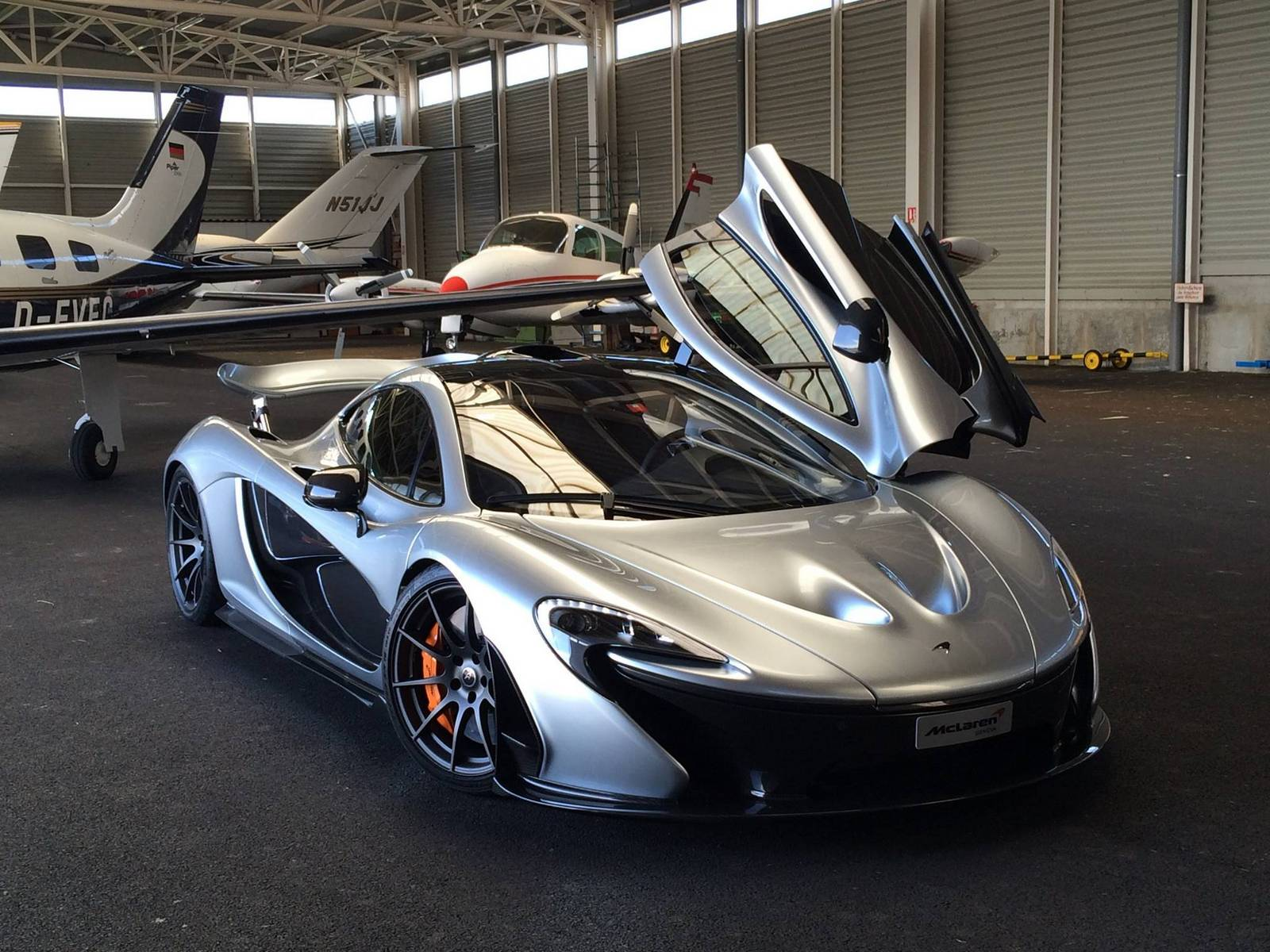 photo of the day mercury silver mclaren p1 gtspirit. Black Bedroom Furniture Sets. Home Design Ideas