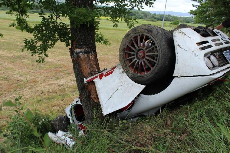 mclaren f1 crashed in italy - chassis number 72 - gtspirit