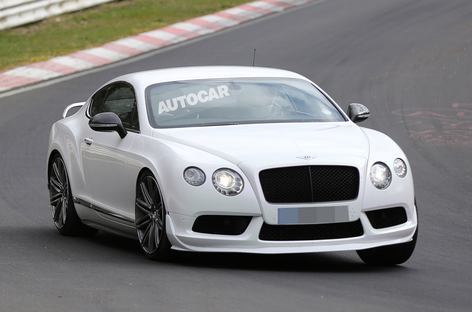 new bentley continental supersports details come into light gtspirit. Black Bedroom Furniture Sets. Home Design Ideas