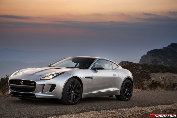 Jaguar F-Type Reportedly Receiving Manual Transmission Option
