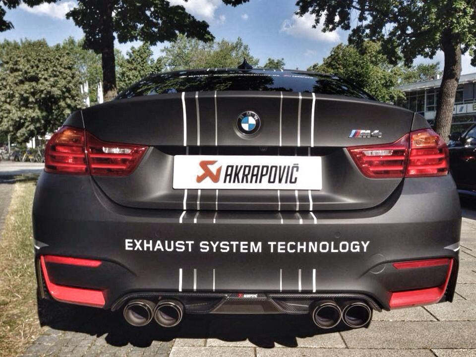 video bmw m4 with akrapovic exhaust system gtspirit. Black Bedroom Furniture Sets. Home Design Ideas