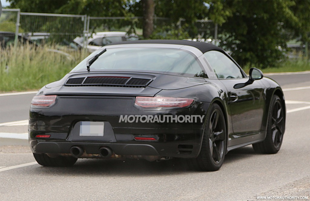 Possible Porsche 911 Targa GTS Spied