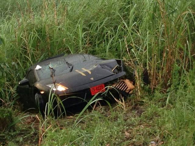 Lamborghini Gallardo Crashes Under Heavy Rains