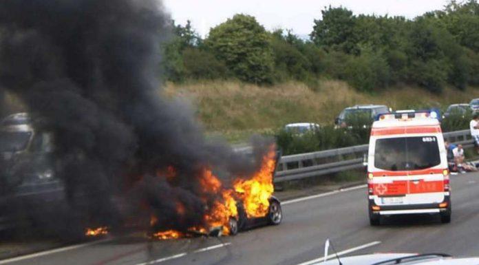 Horrible Lamborghini Crash Leaves Two Dead in Stuttgart