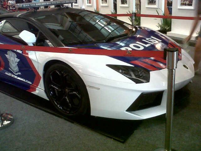Lamborghini Aventador and Gallardo Police Cars in Indonesia
