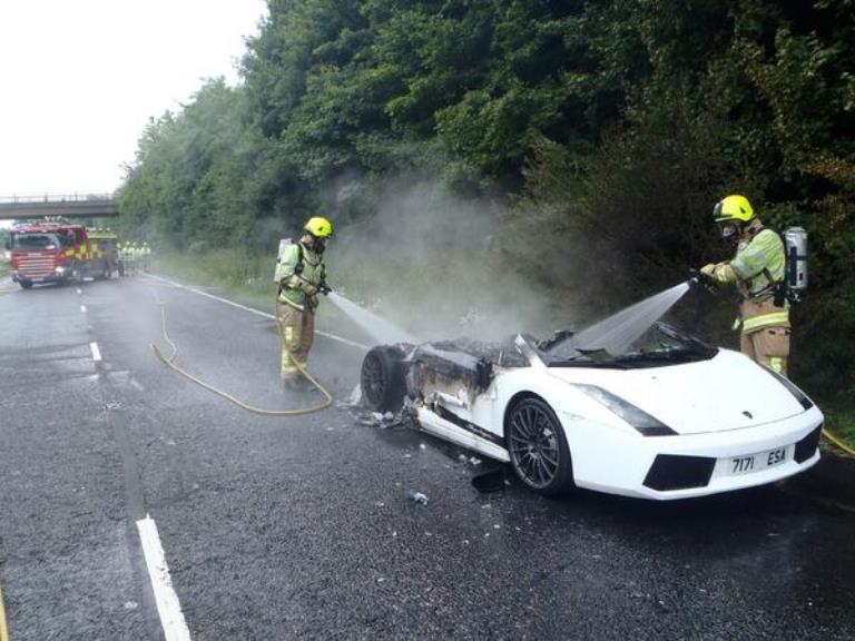 White Lamborghini Gallardo Superleggera Burns Down in ...
