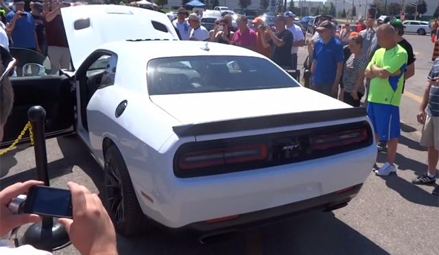 Video: 2015 Dodge Challenger SRT Hellcat Heard Revving Again