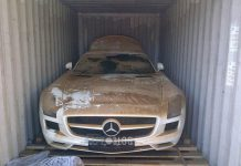 Mercedes-Benz SLS AMG Falls off Boat En Route to Argentina