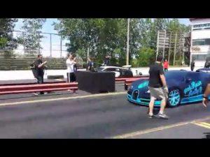 video bugatti veyron super sport vs grand sport vitesse. Black Bedroom Furniture Sets. Home Design Ideas