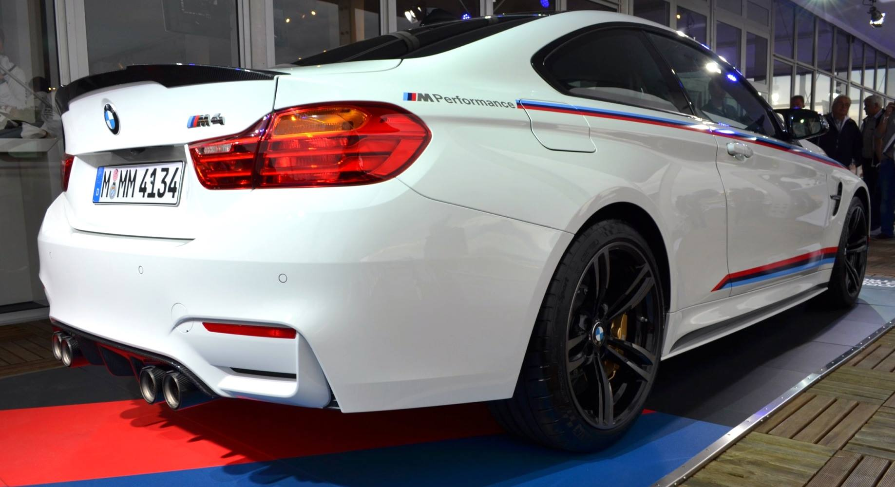bmw m4 shows off m performance aerodynamic parts gtspirit. Black Bedroom Furniture Sets. Home Design Ideas