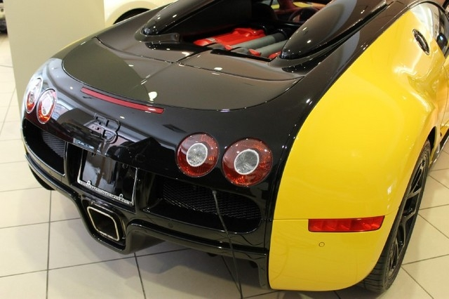 Bumblebee Coloured Bugatti Veyron Grand Sport For Sale in New York
