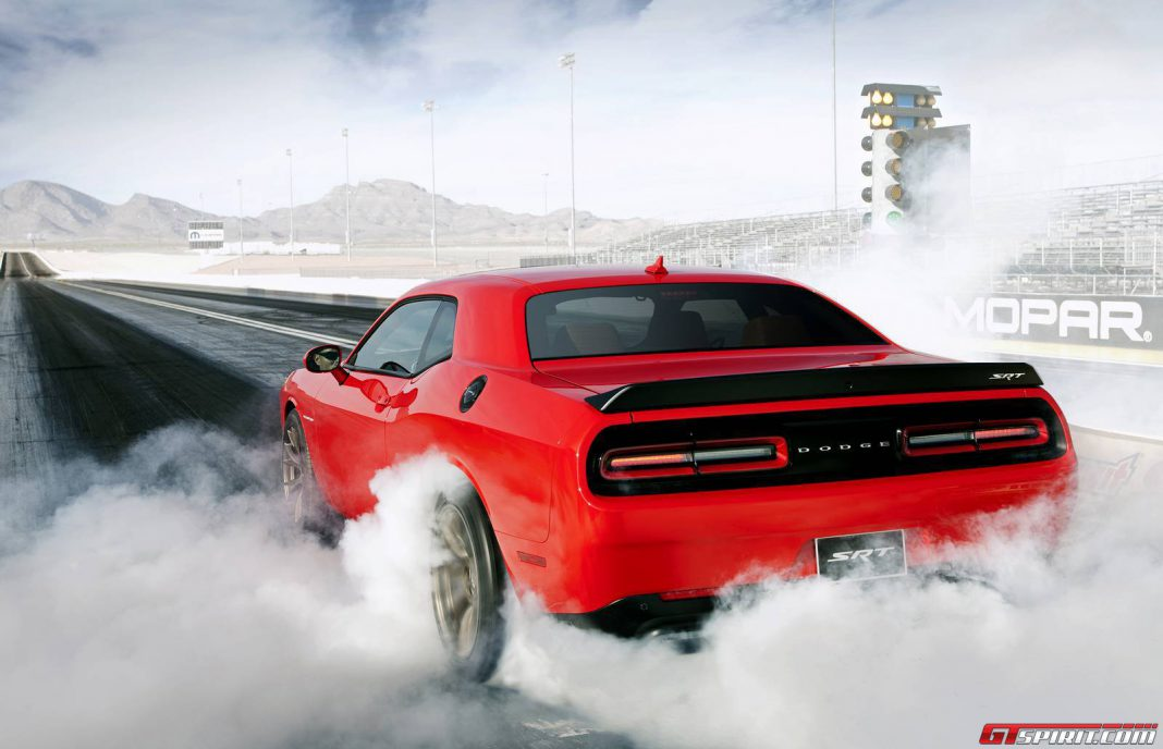 Video: Onboard the 2015 Dodge Challenger SRT Hellcat on Track!