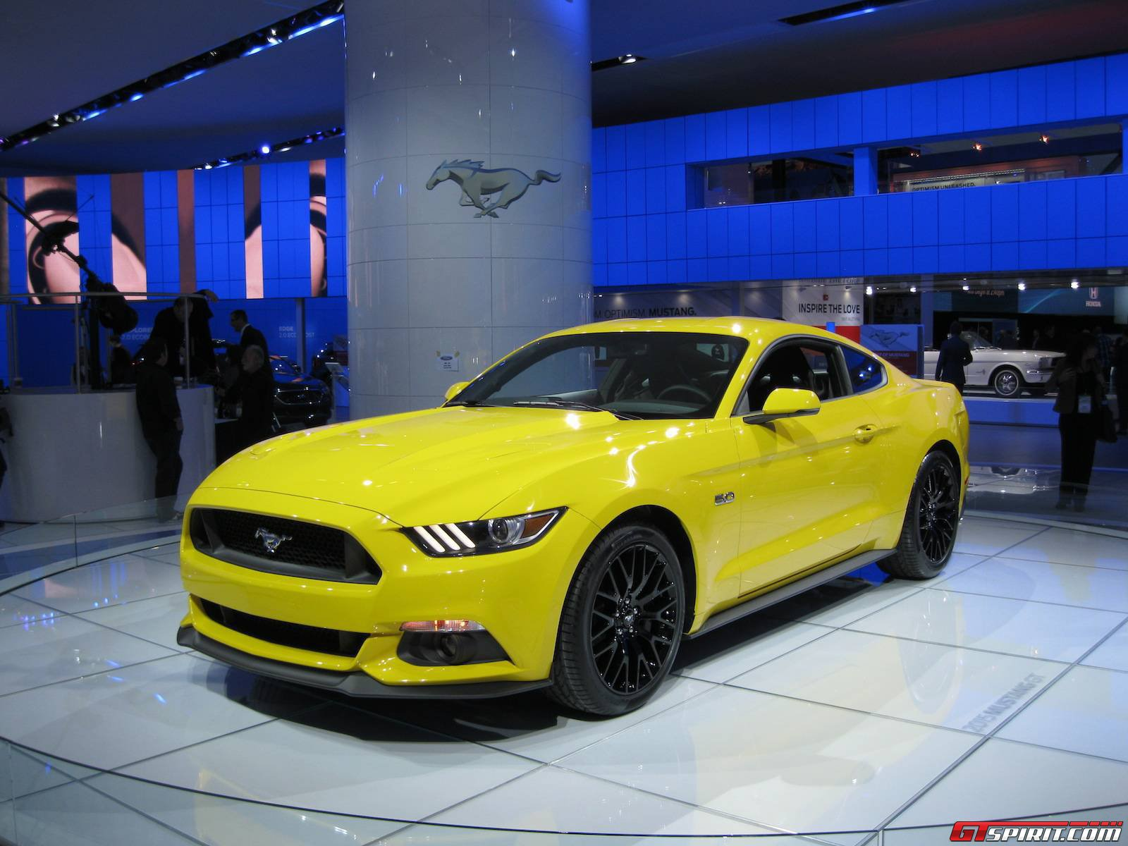 Video 2015 ford mustang ecoboost heard for the first time