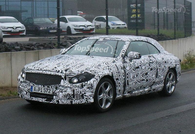 New Mercedes-Benz C-Class Convertible Spied up Close