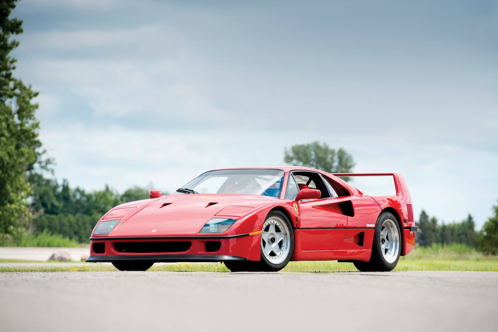 rod stewart 39 s former ferrari f40 heading to auction gtspirit. Black Bedroom Furniture Sets. Home Design Ideas