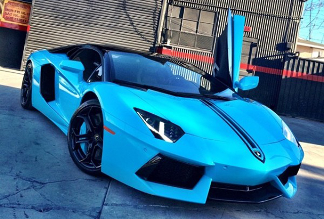 Chris Brown Has Lamborghini Aventador Re-Wrapped to Bright Blue