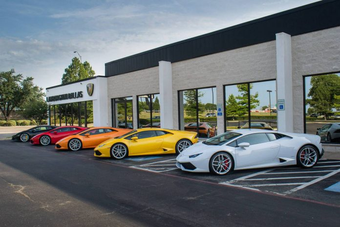 Photo of the Day: Lamborghini Huracan in Five Different Shades