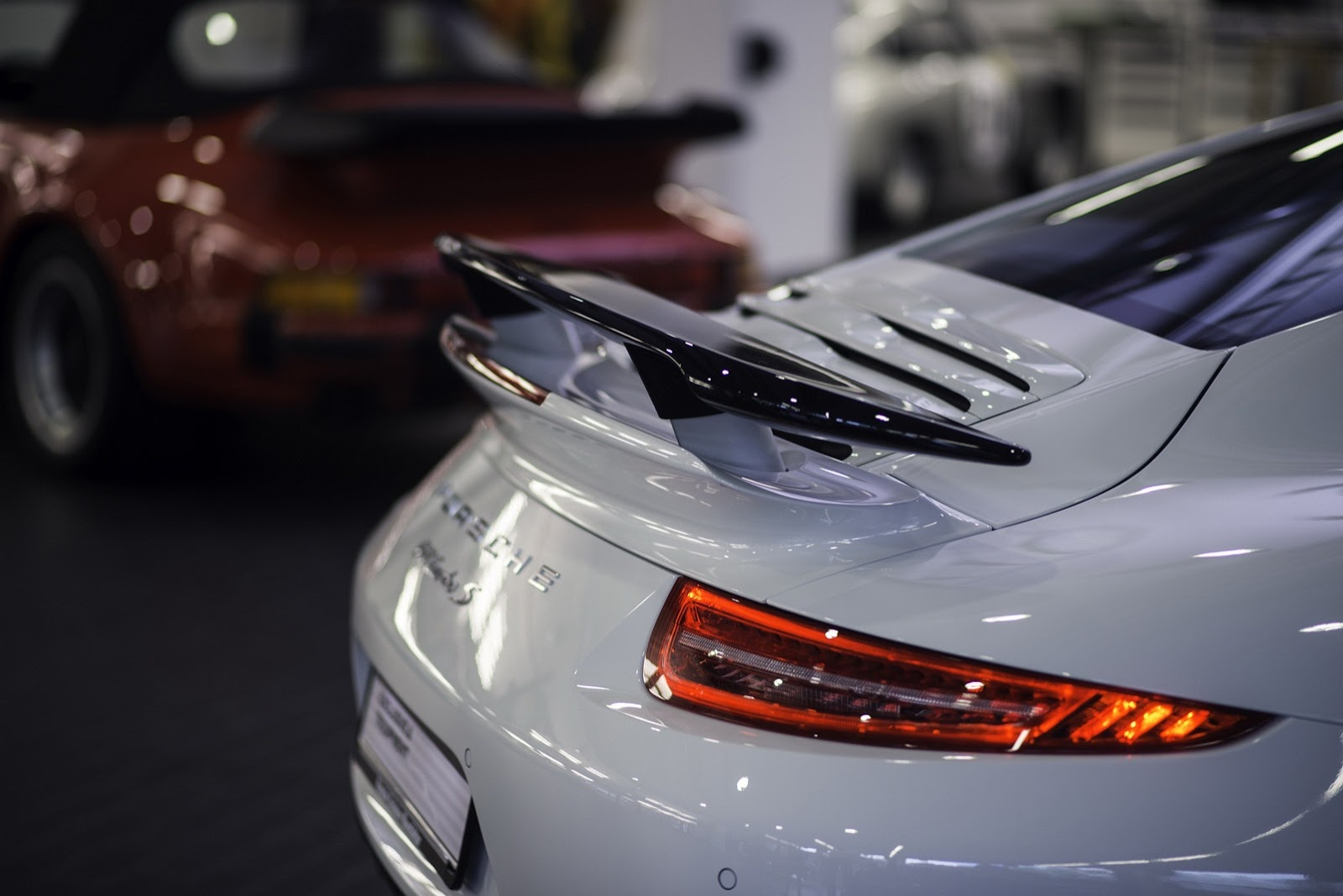 official 2015 porsche exclusive 911 turbo s gb edition