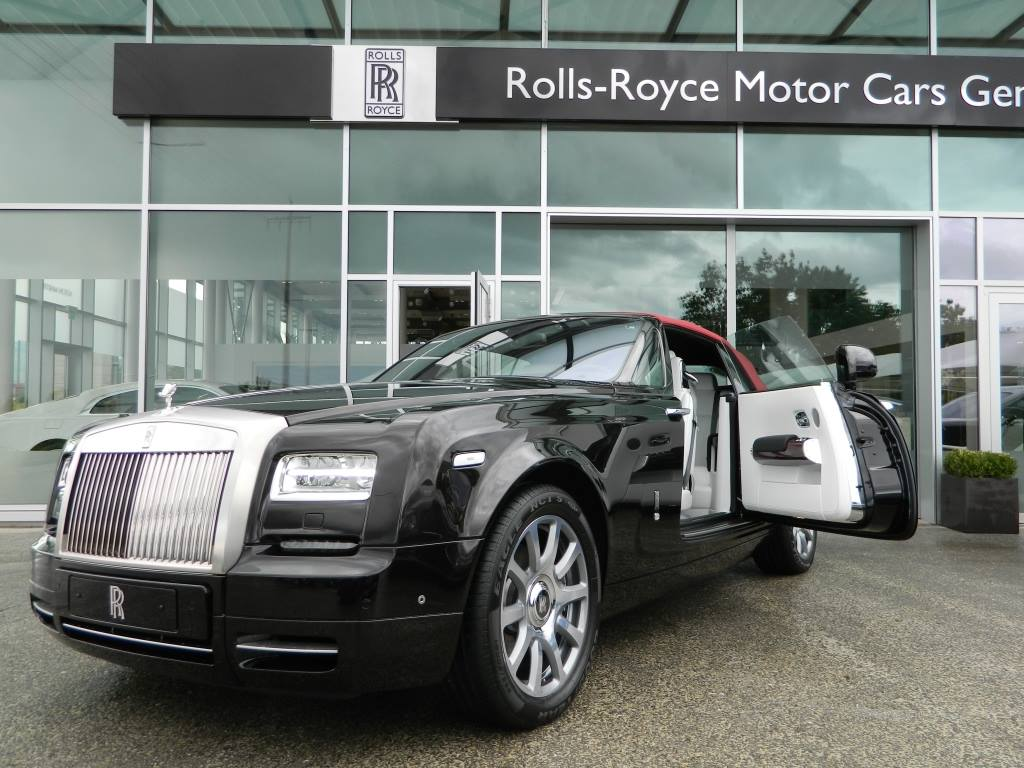 Red Carbon Rolls-Royce Drophead Special Edition 1 of 1