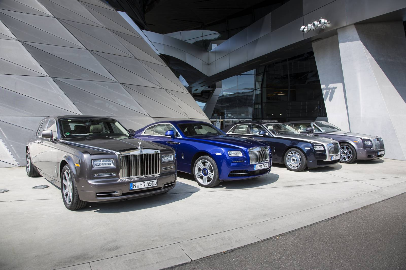 special report: rolls-royce wraith, ghost and phantom comparison