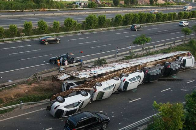 Truck Carrying Luxury Cars Rolls Over In China Gtspirit