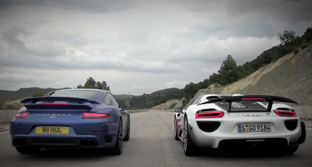 video porsche 918 spyder weissach vs 911 turbo s drag race gtspirit. Black Bedroom Furniture Sets. Home Design Ideas