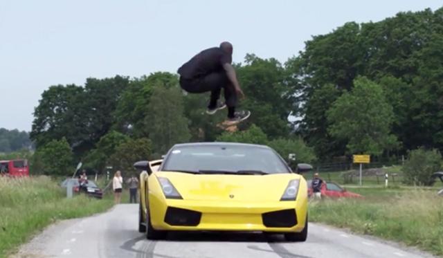 Video: Man Jumps Over Lamborghini Gallardo Travelling at 130kmh!