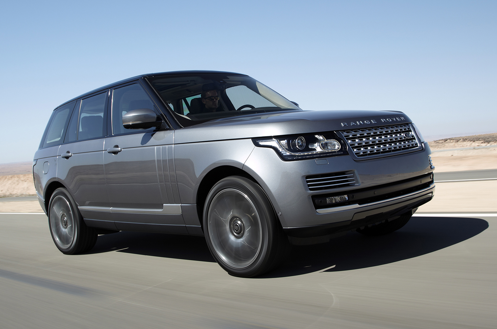 official 2015 range rover autobiography and sport gtspirit. Black Bedroom Furniture Sets. Home Design Ideas