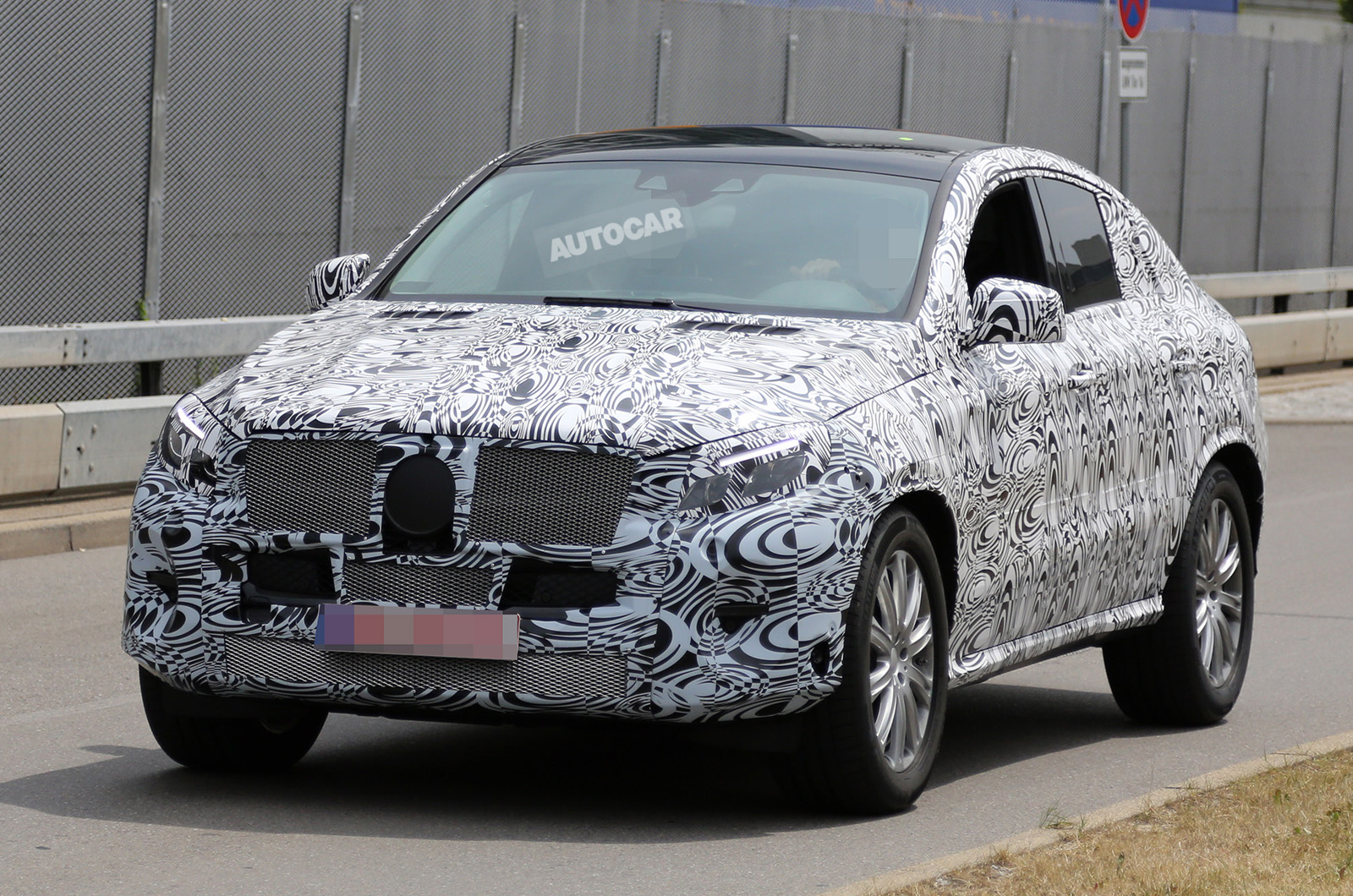 Mercedes benz ml coupe likely to debut at new york auto for New mercedes benz ml