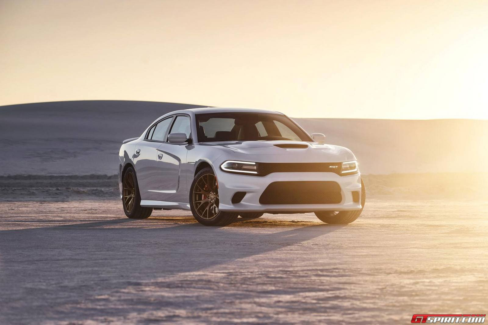 Video 2015 Dodge Charger Srt Hellcat Commercial Gtspirit