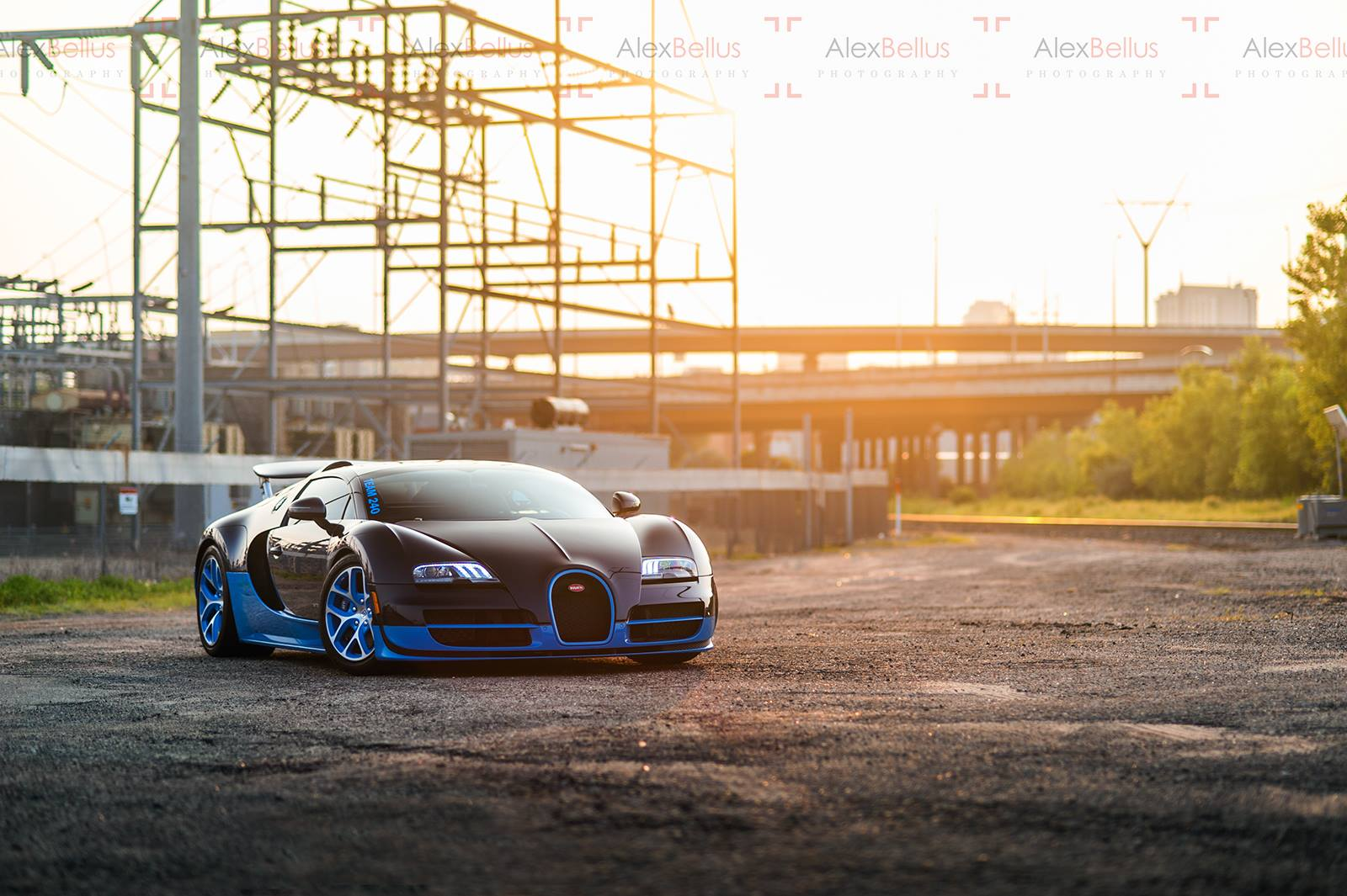 amazing bugatti veyron grand sport vitesse sunrise photoshoot gtspirit. Black Bedroom Furniture Sets. Home Design Ideas