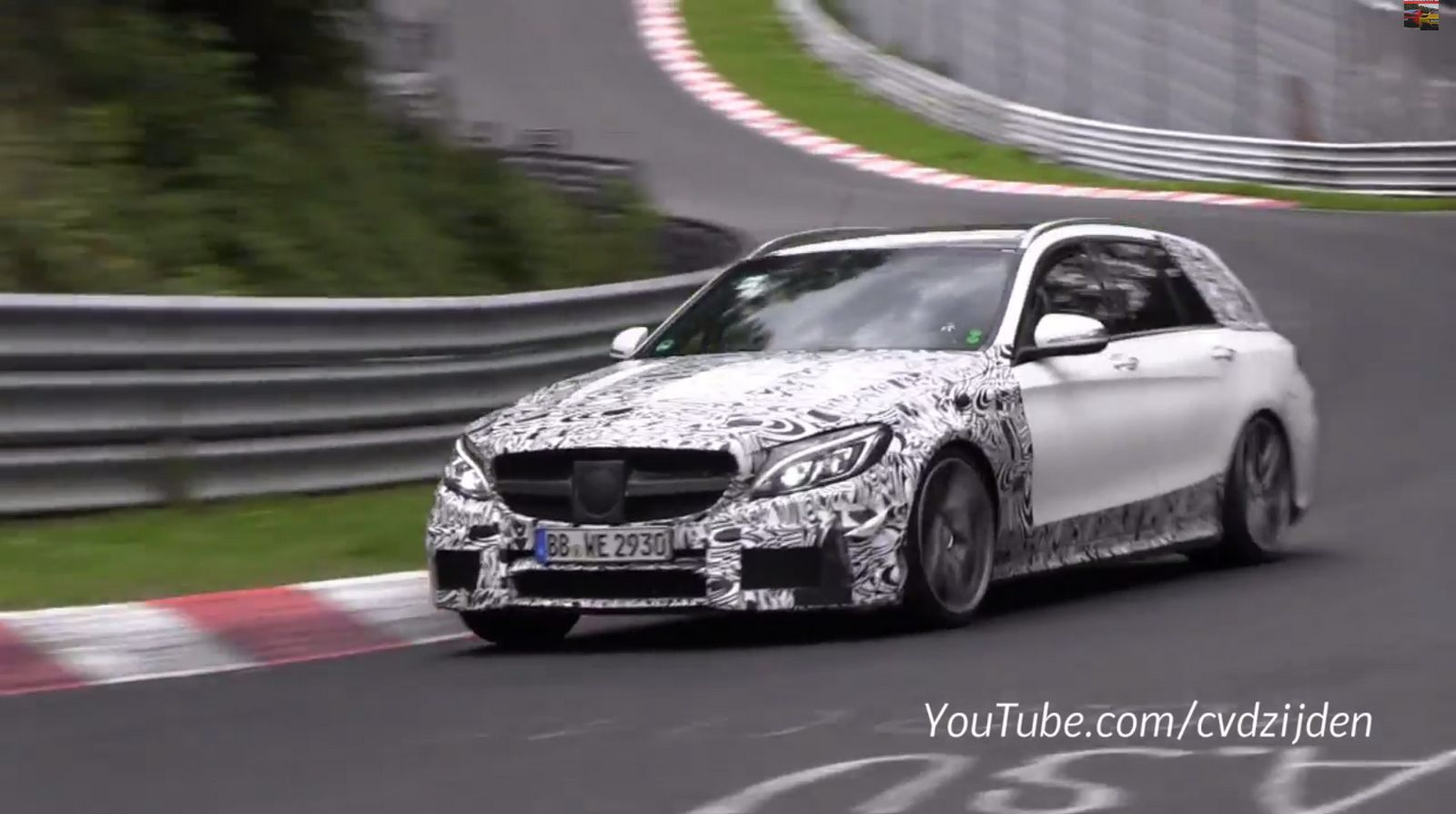 video 2015 mercedes benz c63 amg estate tests gtspirit. Black Bedroom Furniture Sets. Home Design Ideas