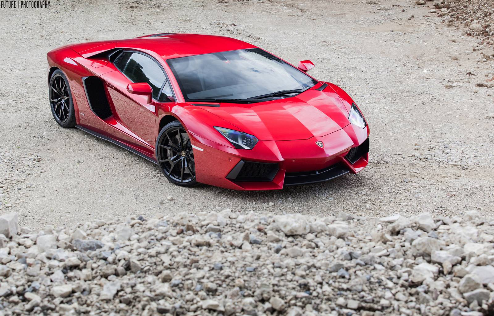 Gallery Red Lamborghini Aventador With Black Wheels Is Gorgeous