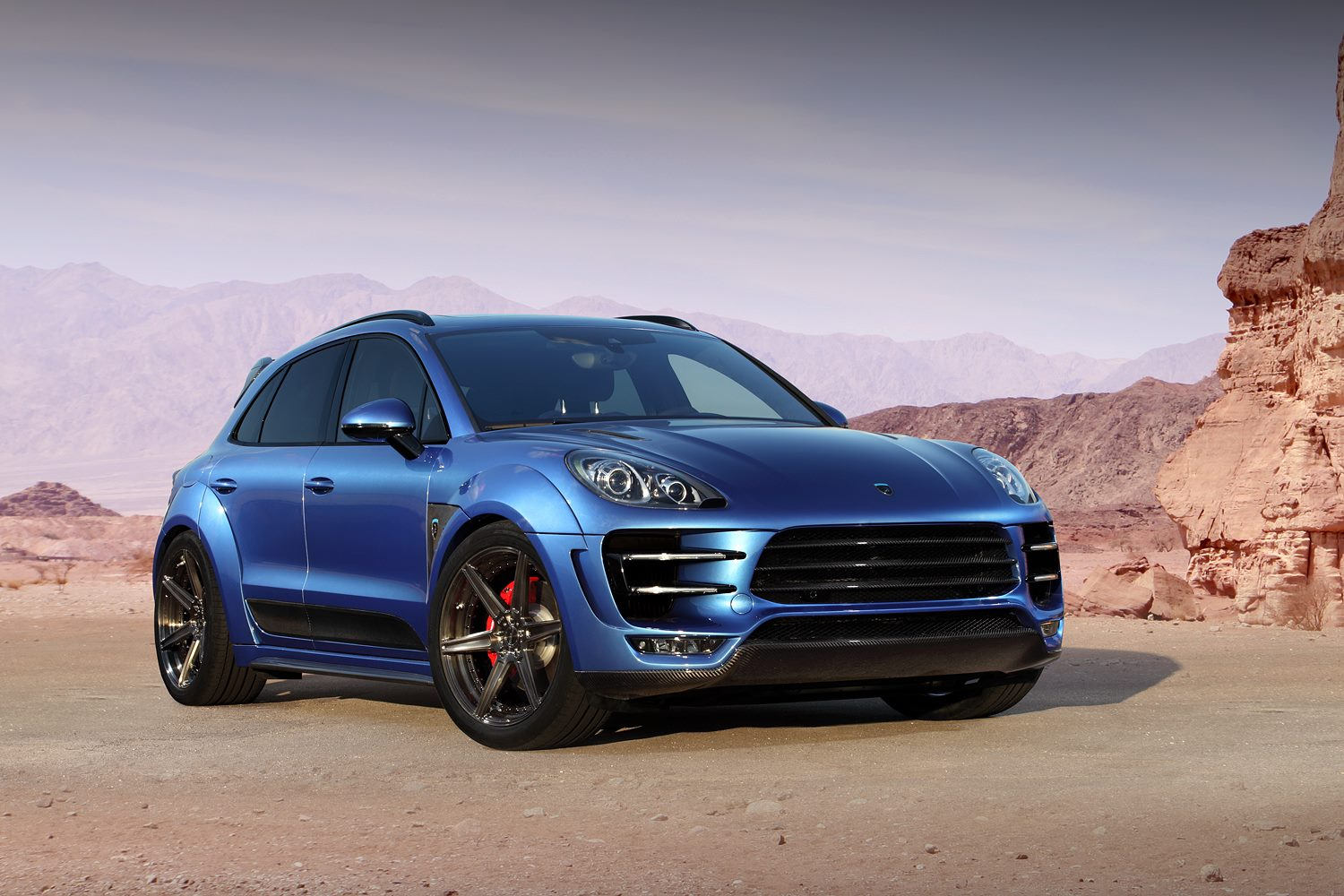 gallery blue topcar porsche macan gtspirit. Black Bedroom Furniture Sets. Home Design Ideas