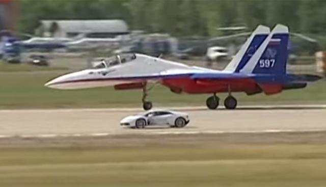 Video Lamborghini Huracan Races Jet In Classic Fight Gtspirit