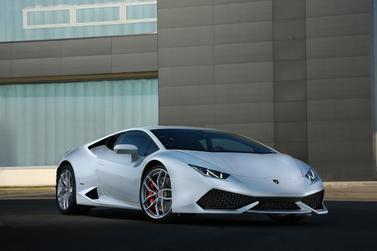 lamborghini huracan hits 60mph in 2 5 seconds and 10 4 second quarter mile. Black Bedroom Furniture Sets. Home Design Ideas