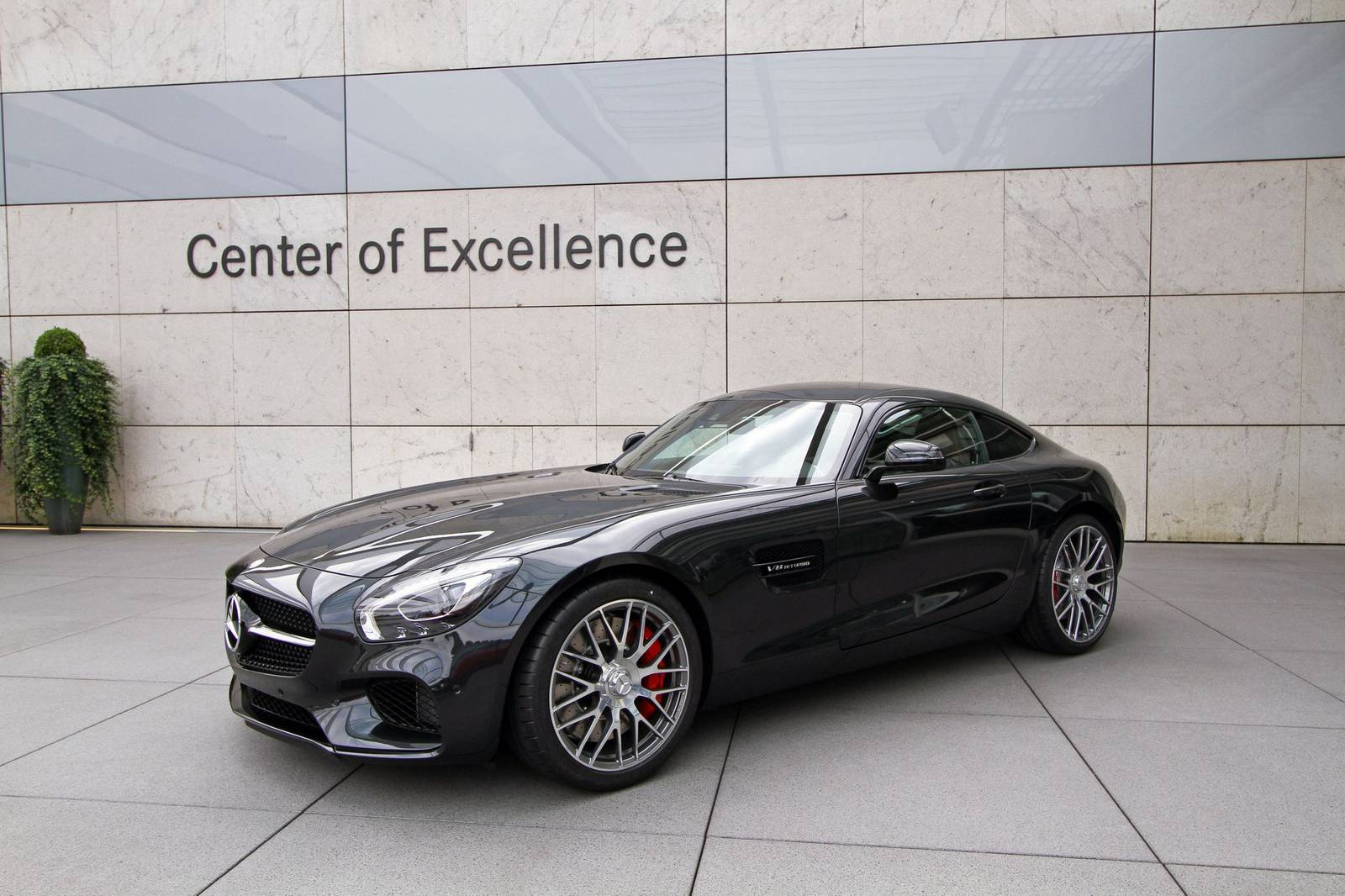 gallery 2015 mercedes amg gt in black gtspirit. Black Bedroom Furniture Sets. Home Design Ideas