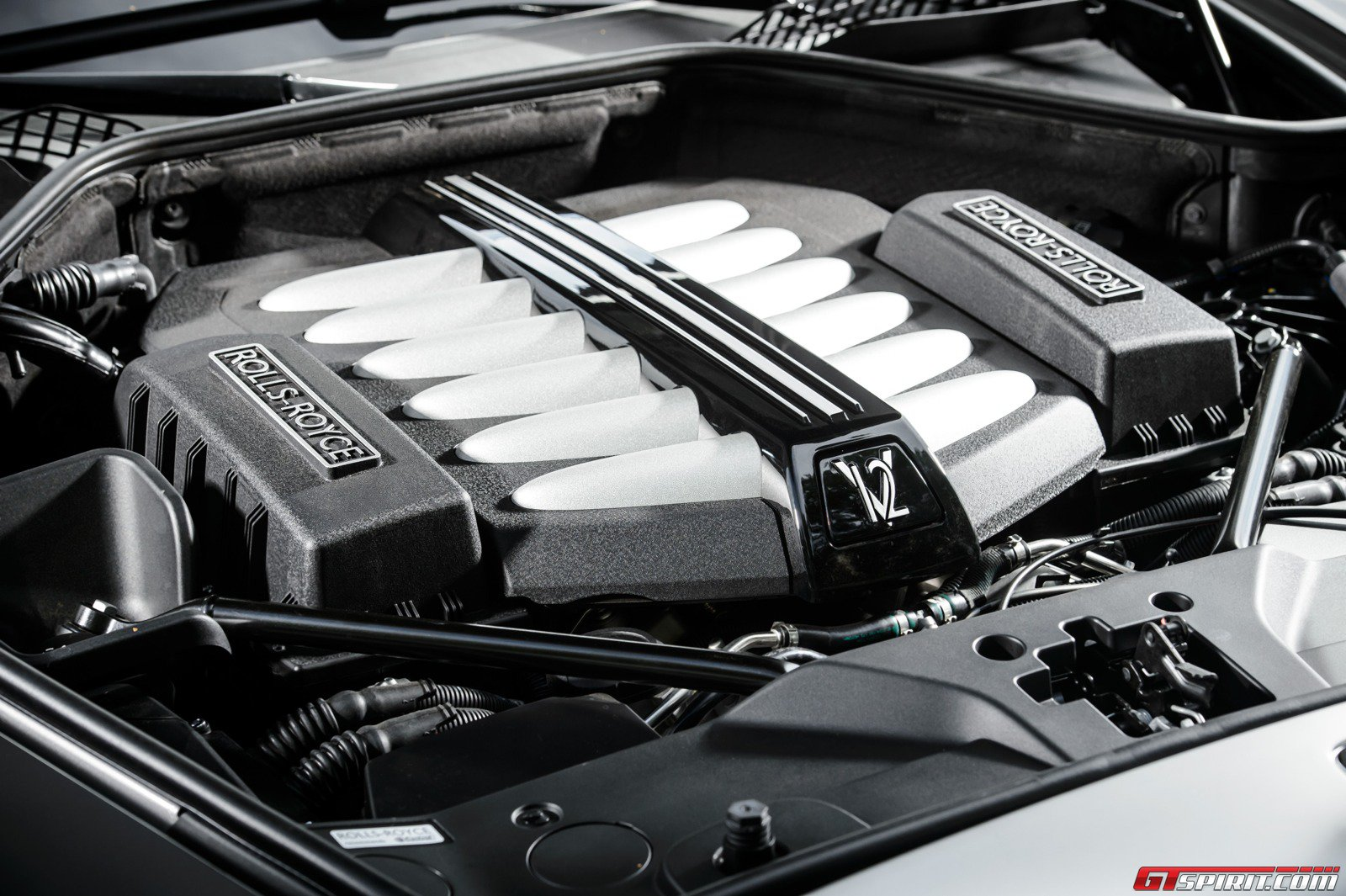 2015 rolls royce ghost series 2 review gtspirit for Rolls royce phantom motor