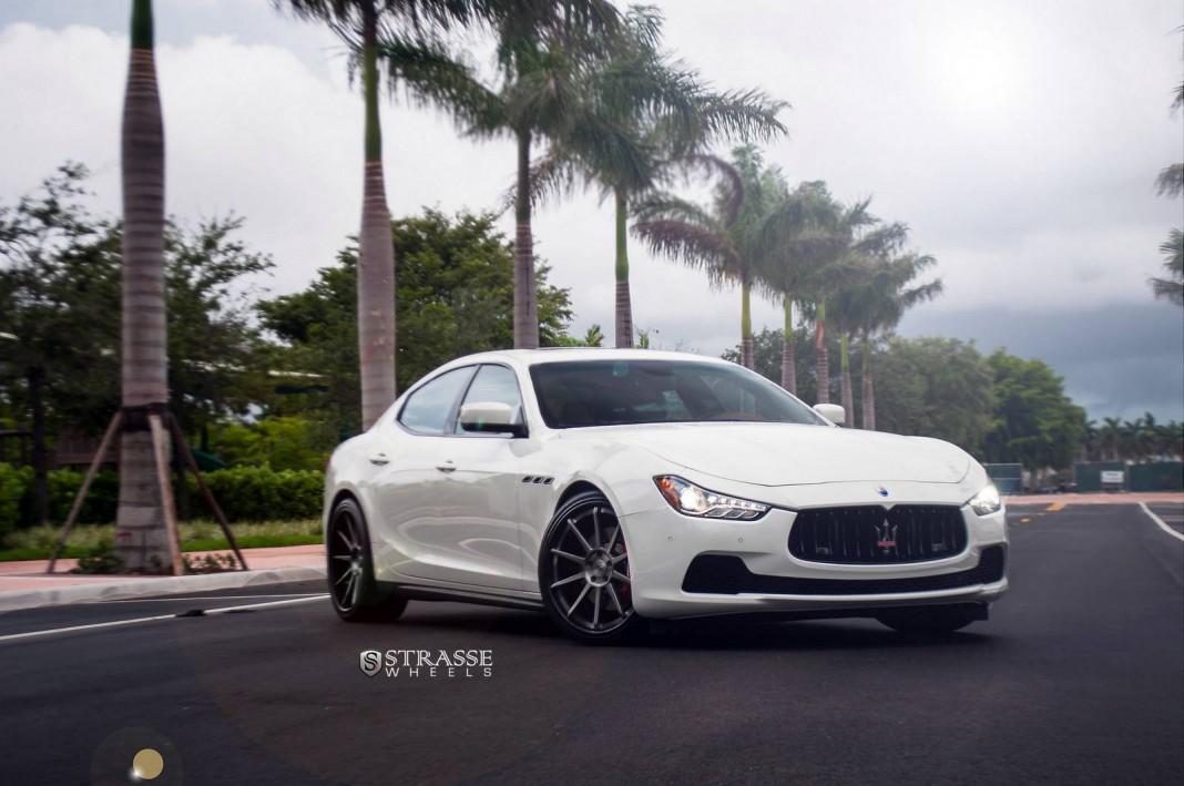 Stunning Bianco Maserati Ghibli S Q4 with Strasse Wheels