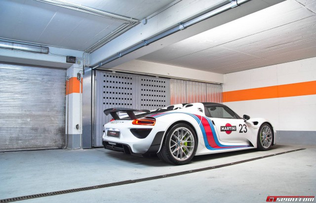 gallery martini porsche 918 spyder weissach package gtspirit. Black Bedroom Furniture Sets. Home Design Ideas