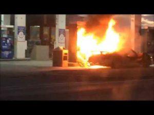 porsche 918 spyder burns in toronto fire. Black Bedroom Furniture Sets. Home Design Ideas