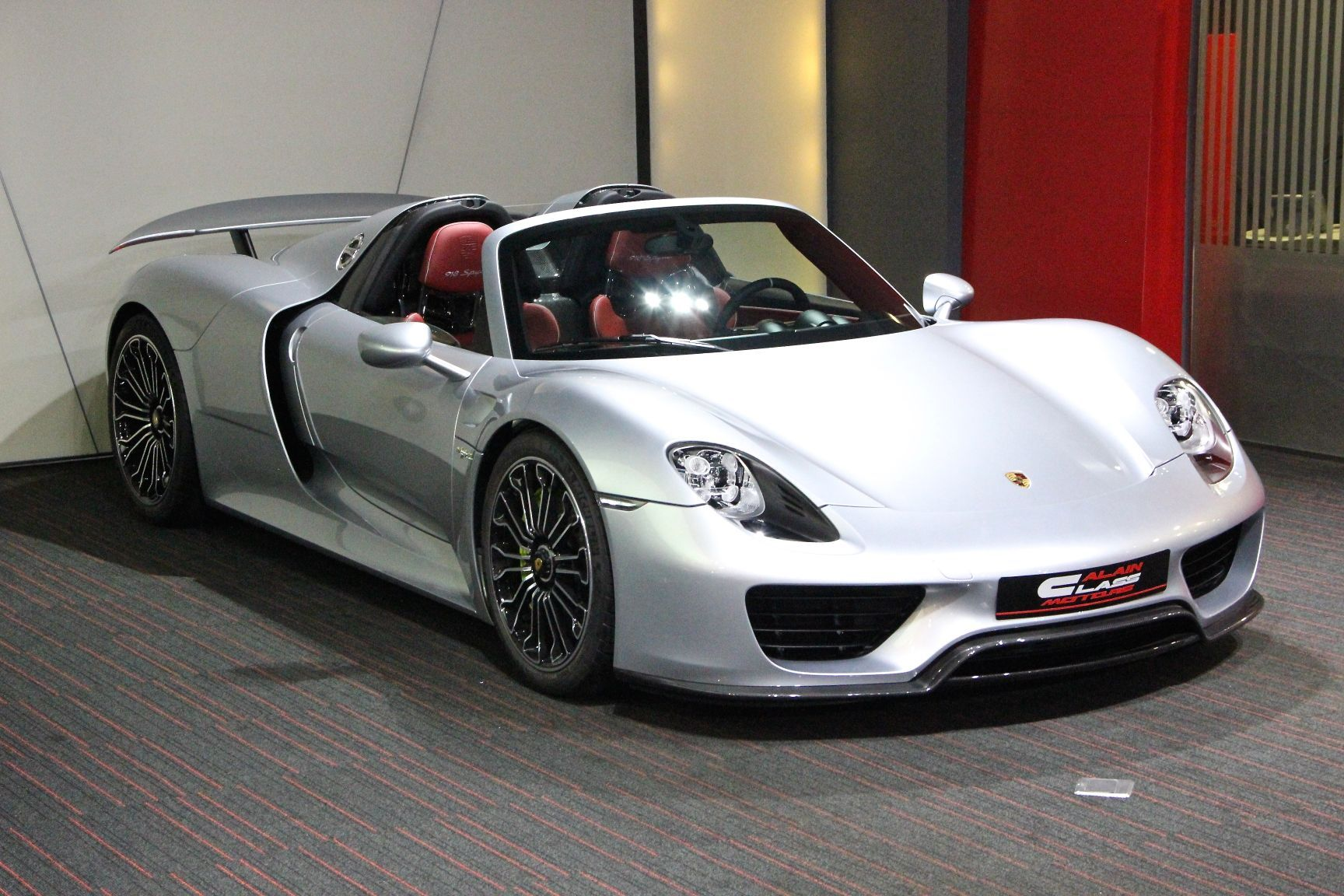 19742300_source Amazing Porsche 918 Spyder sold Out Cars Trend