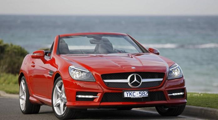 2011_Mercedes-Benz_SLK_350_BlueEFFICIENCY_R172_roadster_2011-08-16_01