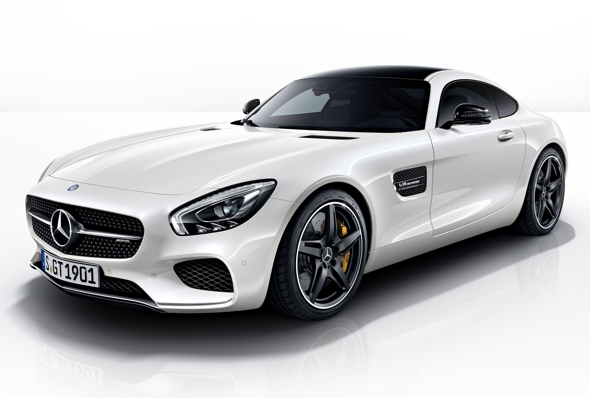 Official 2015 mercedes amg gt night package gtspirit for 2015 mercedes benz amg gt
