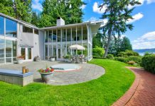 $4.2 Million Glasshouse on Lake Sammamish in Seattle