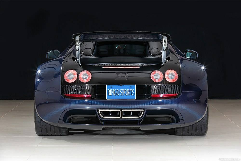 for sale unique blue carbon bugatti veyron vitesse in. Black Bedroom Furniture Sets. Home Design Ideas