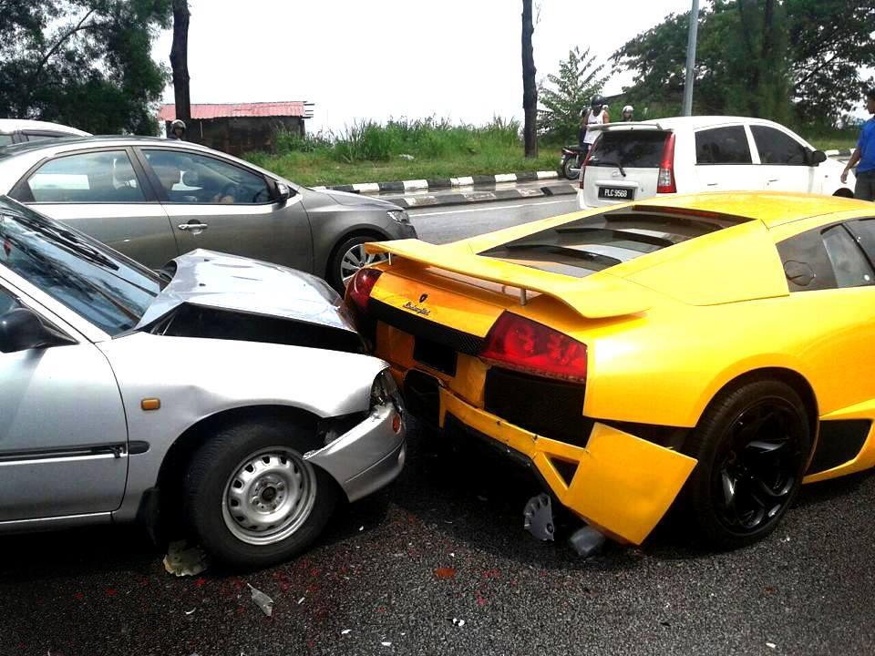 Daihatsu Crashes Into Lamborghini Murcielago In Malaysia Gtspirit