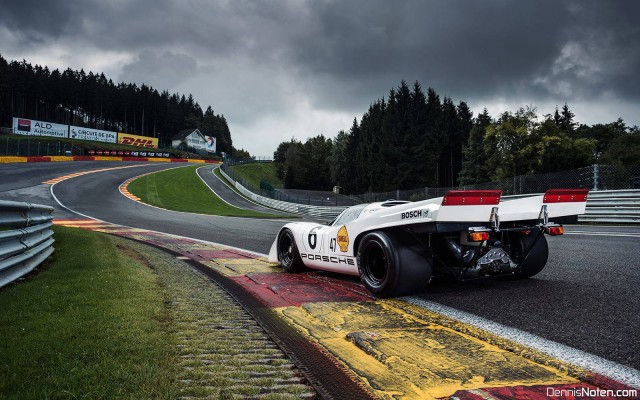photo of the day porsche 917 and 918 spyder at eau rouge gtspirit. Black Bedroom Furniture Sets. Home Design Ideas